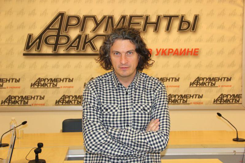 Андрея Кузьменко похоронили 5 февраля 2015 во Львове в семейном склепе на Брюховицком кладбище.