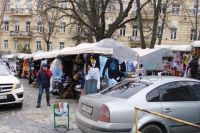 В Киеве на Андреевском спуске до начала марта уберут киоски с сувенирами