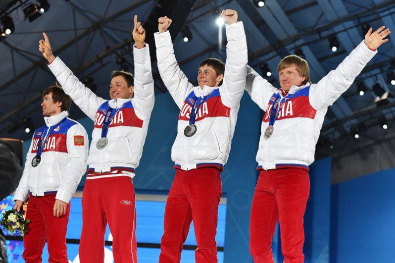 Серебро: Дмитрий Япаров, Александр Бессмертных, Александр Легков, Максим Вылегжанин (лыжные гонки, мужская эстафета).
