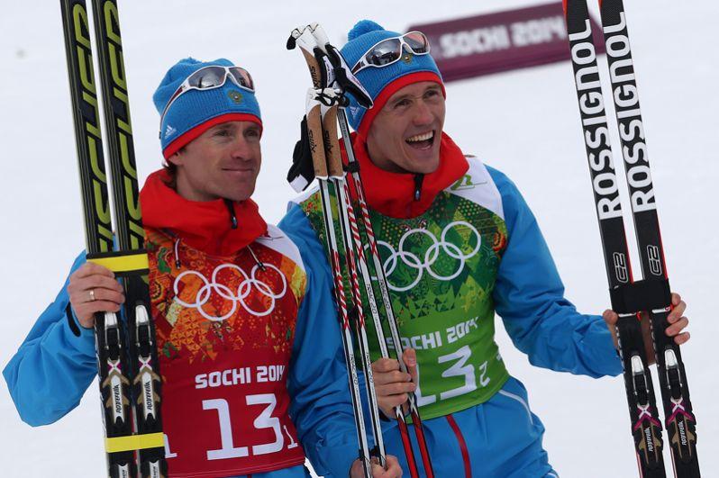 Серебро: Максим Вылегжанин и Никита Крюков (лыжные гонки, командный спринт).
