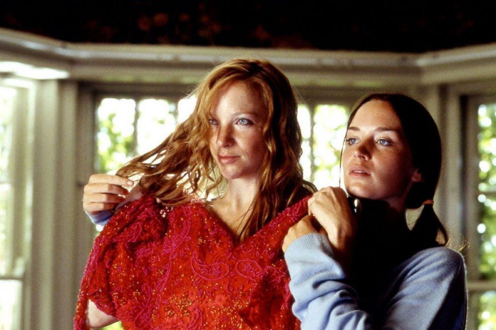 Первую известность актрисе принес фильм «Мое лето любви» (2004). Картина произвела большой резонанс среди поклонников независимого кинематографа, а Блант вместе с партнершей Натали Пресс была названа лучшей новой актрисой многими авторитетными изданиями в Великобритании и США.