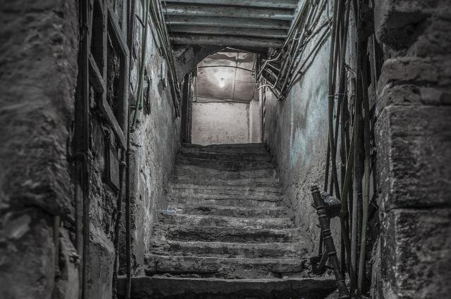 Алиментщик изБашкирии прятался отприставов впогребе усожительницы