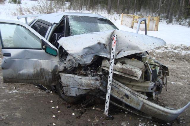Так после аварии выглядела отечественная легковушка.