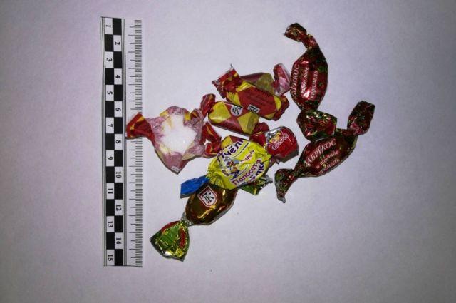 Кузбасские полицейские изъяли партию героиновых «конфет».