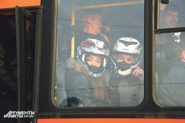 Пассажиры считают, что поездки в общественном транспорте становятся всё опаснее.