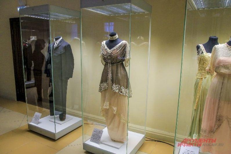 Все наряды, представленные в коллекции, уникальны.