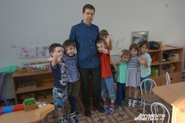 Евгений советует читать детям книги, которые родители сами любили в детстве.