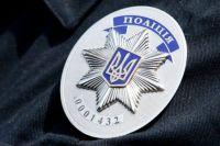 В Киеве на «Арсенальной» двое пьяных мужчин избили полицейского