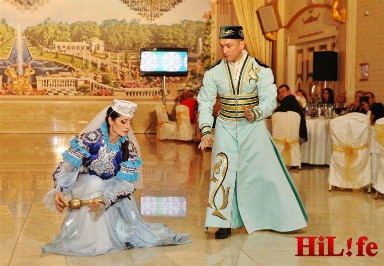 Она не только станцевала татарский танец, но и спела по-татарски, рассказала сказку и даже сыграла на курае.