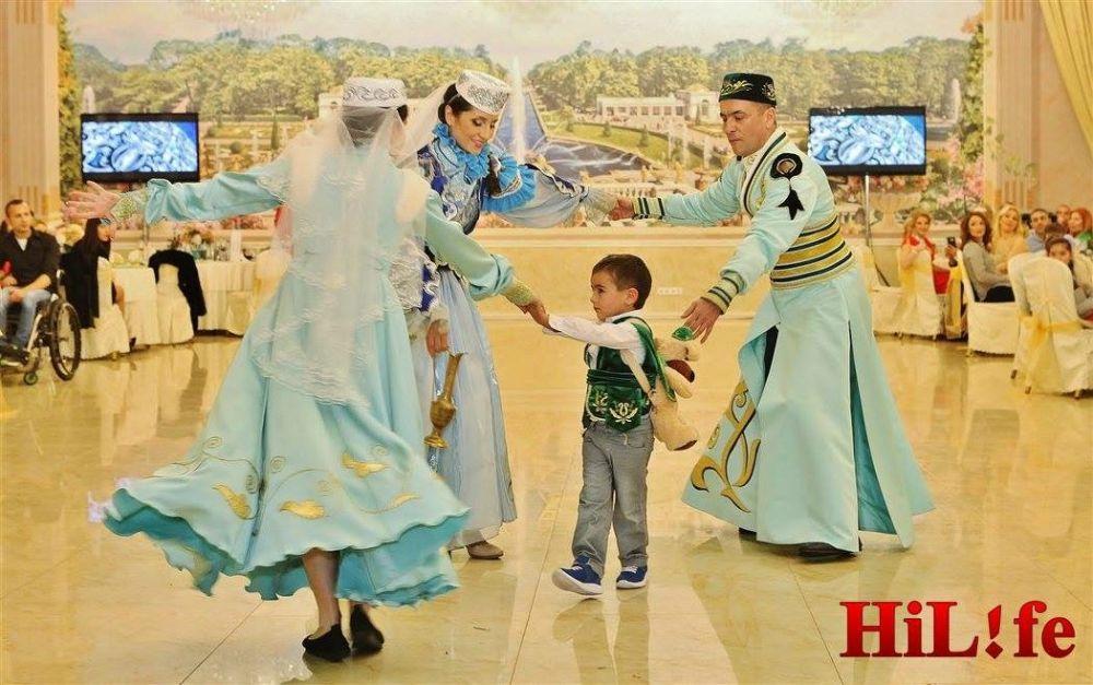 Илия Гарипова не только молодая бабушка, но и молодая мама - воспитывает четырехлетнего сына.