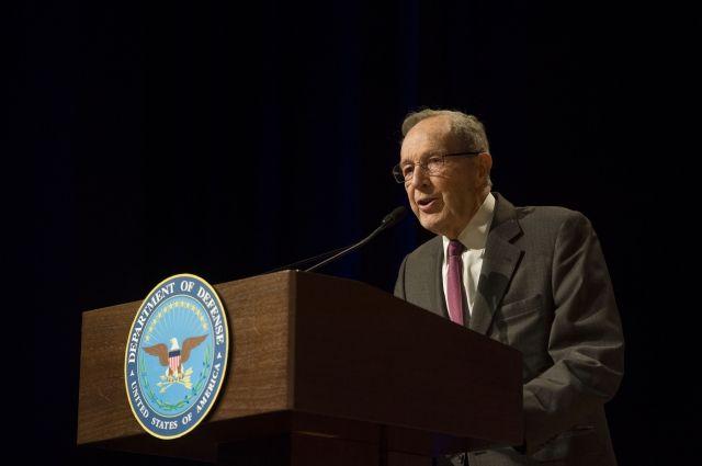 Американский экс-министр обороны сожалеет обомбардировках Югославии