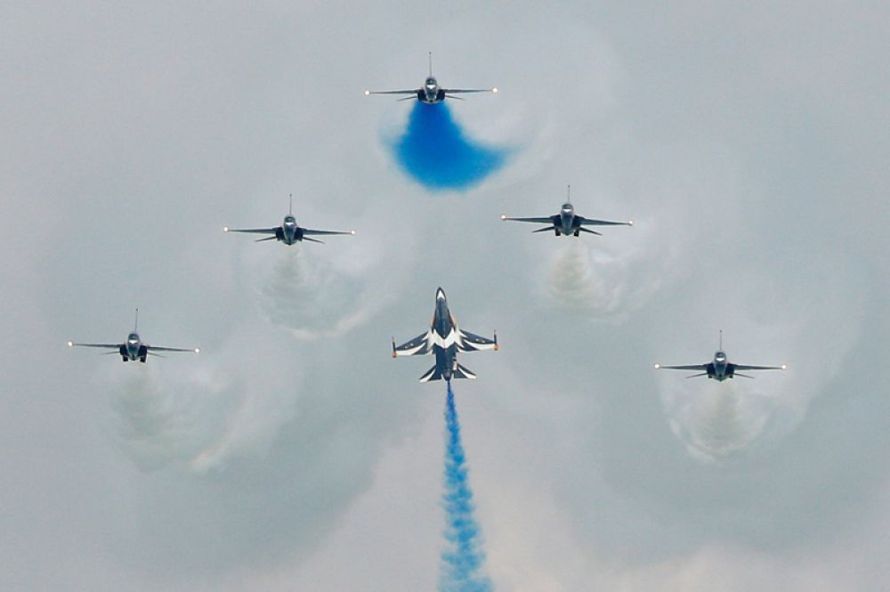 Пилотажная группа южнокорейских ВВС «Черные Орлы» на самолетах Т-50.