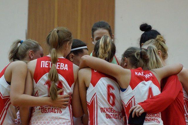 Пензенские баскетболистки продолжают домашнюю серию игр.