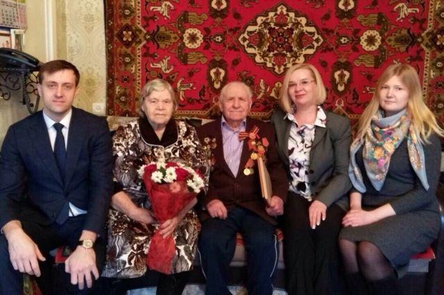 Алексей Васильевич и Надежда Михайловна Карповы вместе 70 лет.