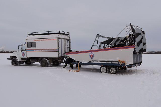 Людей на дрейфующей льдине не оказалось.