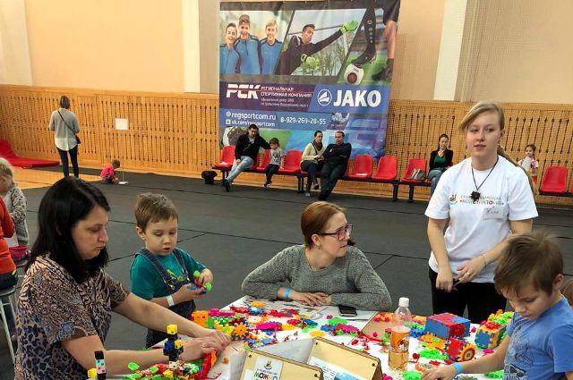 Воспитанники социально-реабилитационного центра посетили игротеку бесплатно