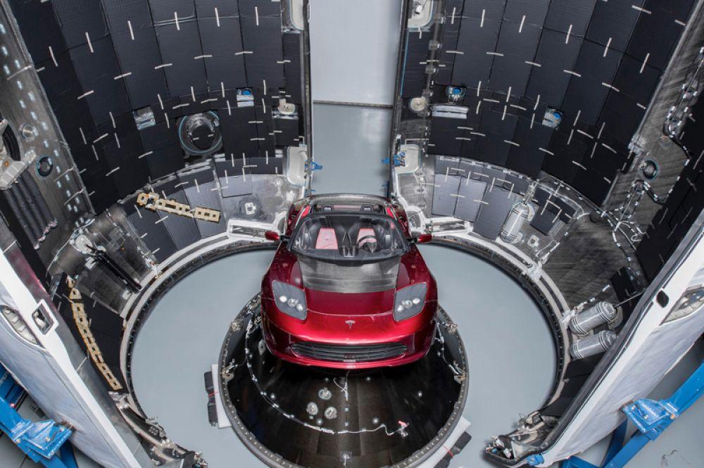 Tesla Rodster проходит последние приготовления к полету.