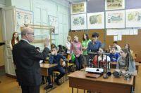 Виктор Макаренко проработал в Таганрогском металлургическом техникуме 30 лет