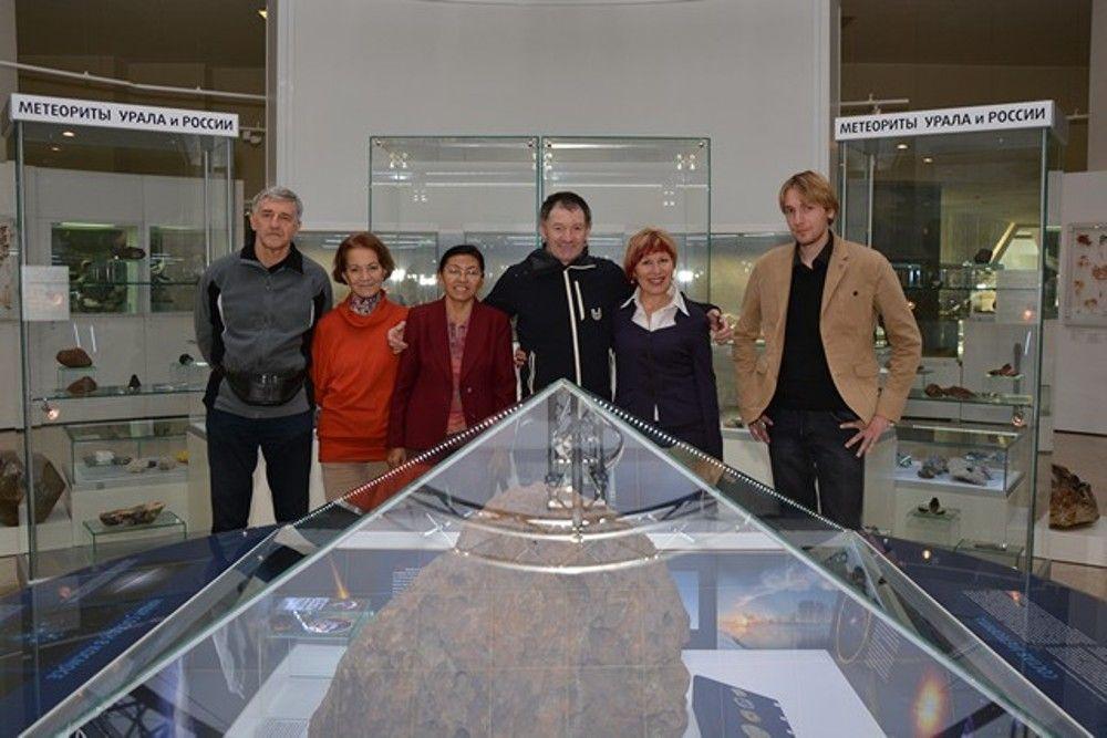 Познакомился с метеоритом и мировой рекордсмен, ультрабегун ирландец Тони Манган.