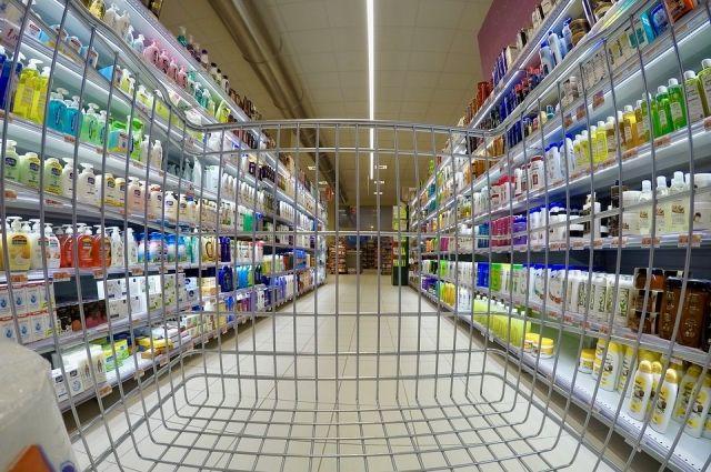 В крупных сетях Красноярска, по крайней мере, на упаковке химической «молочки» стало появляться слово «спред».