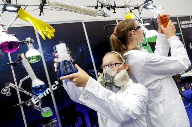 В крае насчитывается почти 3 тыс. учёных.