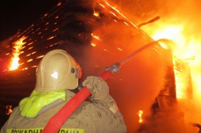Пожар произошел в доме №2 по улице 40 лет Победы.