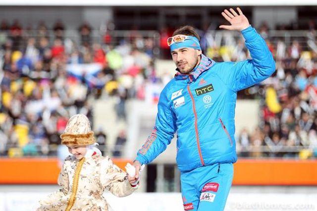 Нацеремонии открытия Олимпиады все-таки развернули русский флаг