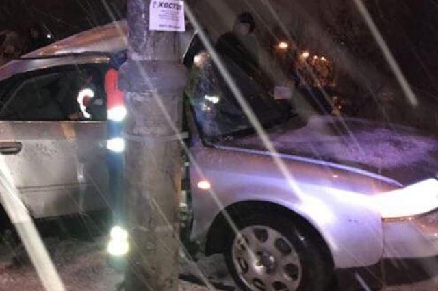 Двое вреанимации: вКиеве вовремя снегопада случилось чудовищное ДТП