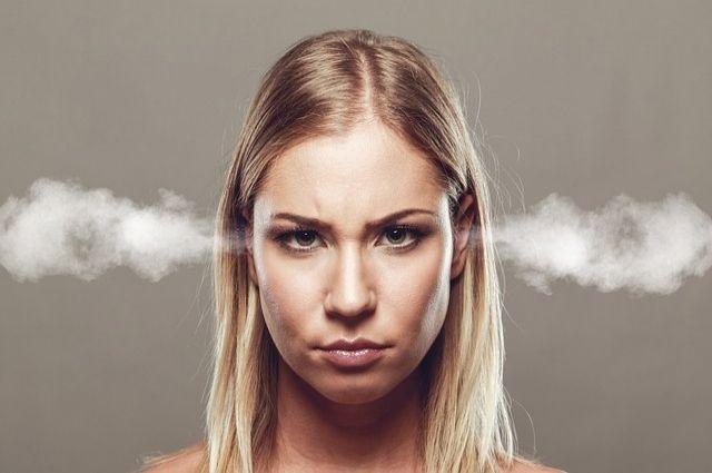 По словам психологов, женщины чаще мужчин испытывают проблемы с выражением гнева.