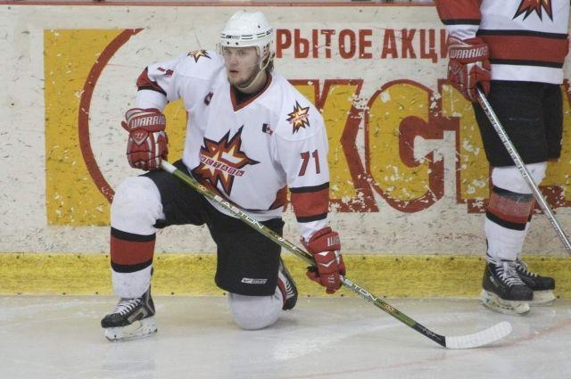 После матча тренер клуба и папа спортсменки Ильназ Загитов вместе с хоккеистами обратятся к участнице Олимпиады.