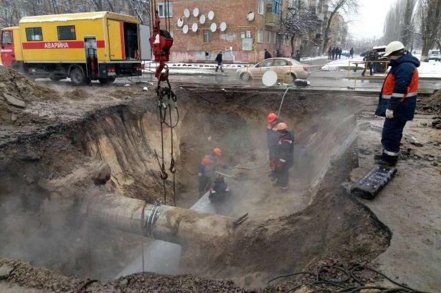 Потоп в Киеве: «Киевтеплоэнерго» заканчивает восстановление тепломагистрали