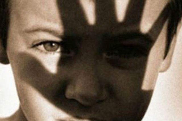 Житомирский педофил два года насиловал 10-летнего сына и13-летнего пасынка
