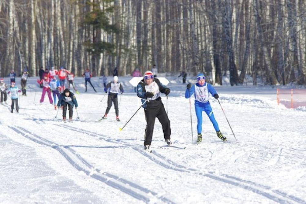 Первое место в забеге на 2018 метров занял Александр Тропников, чемпион мира по биатлону, заслуженный мастер спорта СССР.