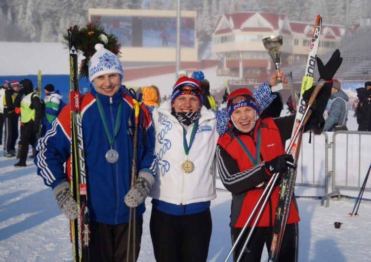 Победители в разных категориях были награждены медалями, кубками и подарками.