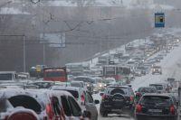 Пятую часть времени в пути новосибирцы стоят в пробках.