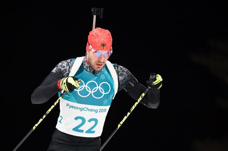 Немецкий биатлонист Арнд Пайффер завоевал золото в спринте.