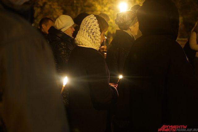 В храмах Оренбуржья молятся о погибших в авиакатастрофе под Москвой.