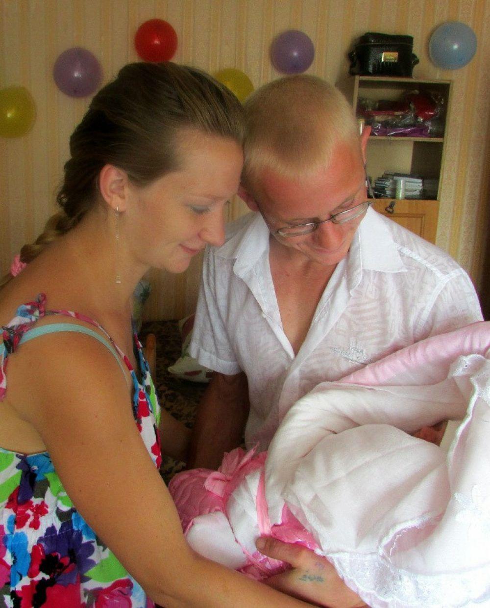 Евгения и Денис Талалины. «День, когда муж забрал из роддома с нашей младшей Ангелиной»