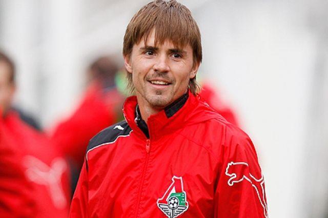 После ухода из стана красно-белых полузащитник играл в «Локомотиве».