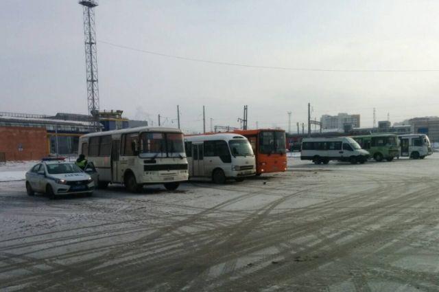 В Нижнем Новгороде обнаружили 32 автобуса с техническими неисправностями.