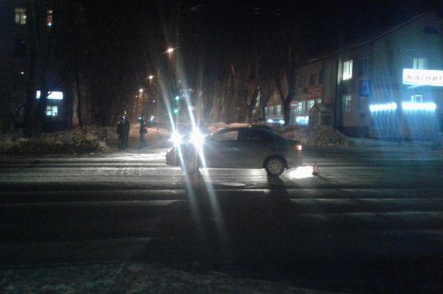 В госавтоинспекции призывают пешеходов носить световозвращающие элементы.