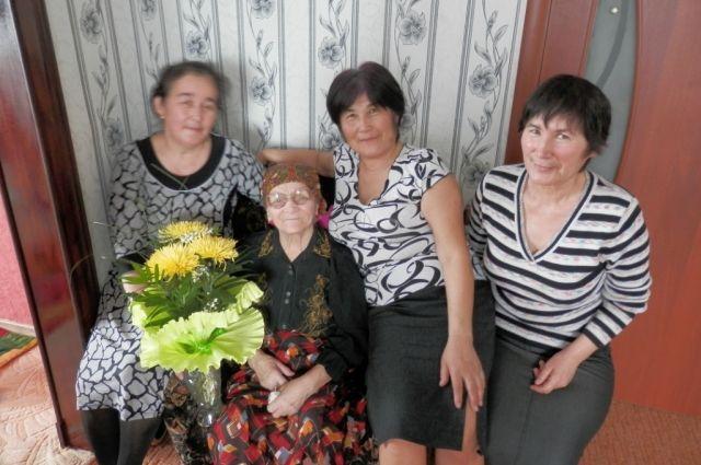 Уже будучи в преклонном возрасте Наталья Матвеевна столкнулась с тем, что родные по крови люди оказались не такими отзывчивыми, как соседи.