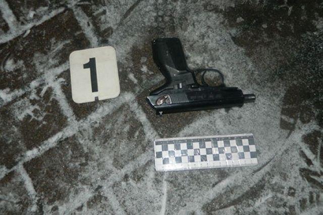 Разборки с пистолетом: в Киеве мужчина получил пулевое ранение