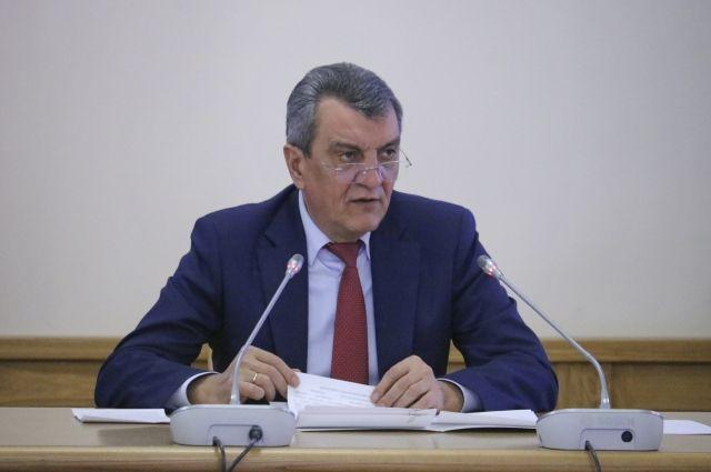 В понедельник полпред президент РФ по СФО Сергей Меняйло провел окружное совещание по вопросам весеннего паводка.