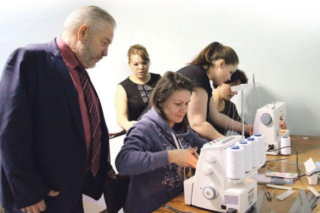 Обучение шитью станет для одиноких матерей ещё одним шагом на пути к самостоятельности.