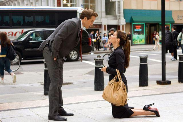 Лучше, когда все-таки мужчина делает предложение женщине, а не наоборот.