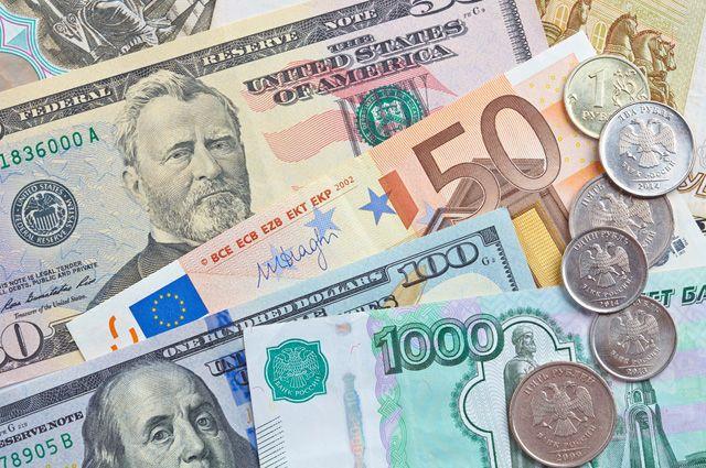 Что будет с долларом, евро и рублем весной? Валютный прогноз