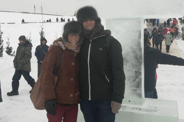 Валентин рассказал, что Барнаул выбрал не случайно: «Я не люблю большие города. Москва, конечно, красивый город, но слишком много людей, все бегут куда-то. Мне нравится размеренный ритм Барнаула. Люблю гулять по улице Анатолия, бывать в Нагорном парке и смотреть на Обь». Один из походов на реку был на Крещение.