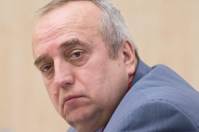 Совфед утвердил отставку Клинцевича с поста первого зампреда комитета