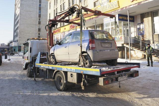 Для водителей эвакуация автомобилей стала полной неожиданностью.